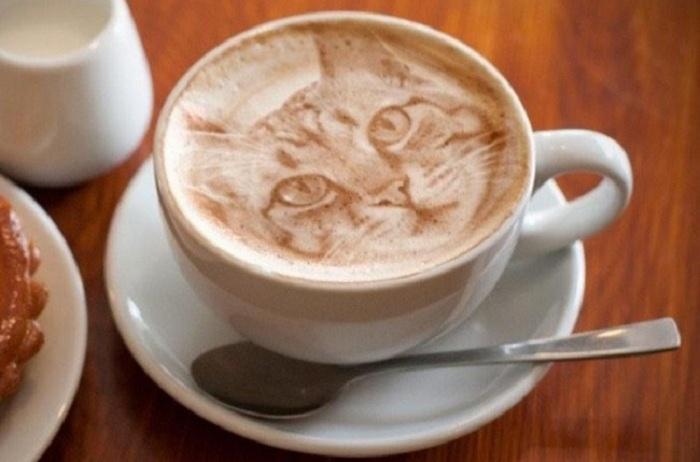Рисунок на кофейной пене.