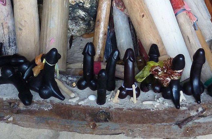 Палад кхик - амулет, призванный защищать мужское здоровье.   Фото: novate.ru.