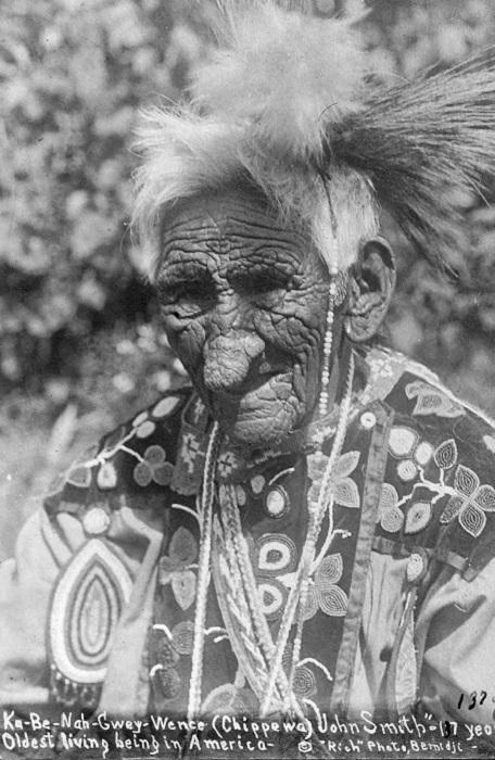 Индеец племени чиппева Джон Смит.   Фото: rarehistoricalphotos.com.