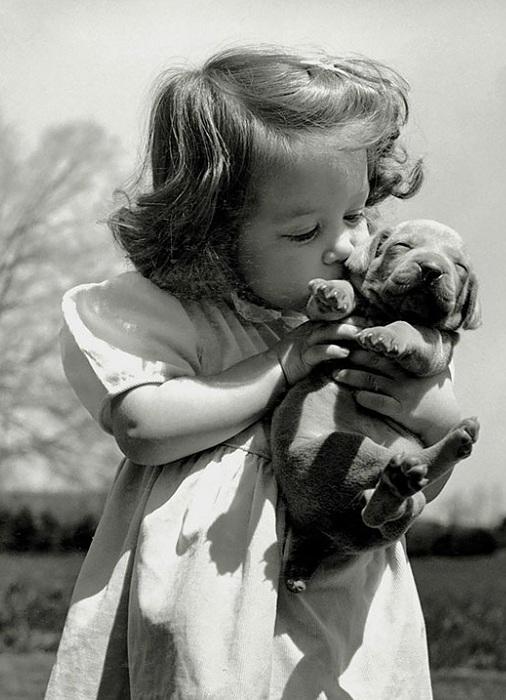 Ретро-фотография девочки, 1950 год.