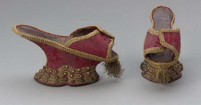 Чопины. Италия, XVII век. | Фото: www.colors.life.