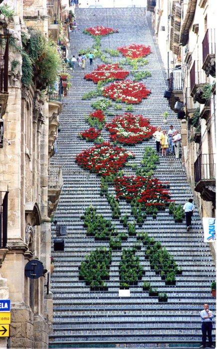Замечательный стрит-арт на Сицилии.
