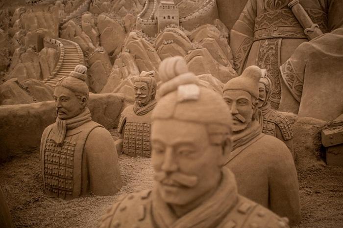 «Yokohama Sand Art Exhibition» - выставка скульптур из песка.