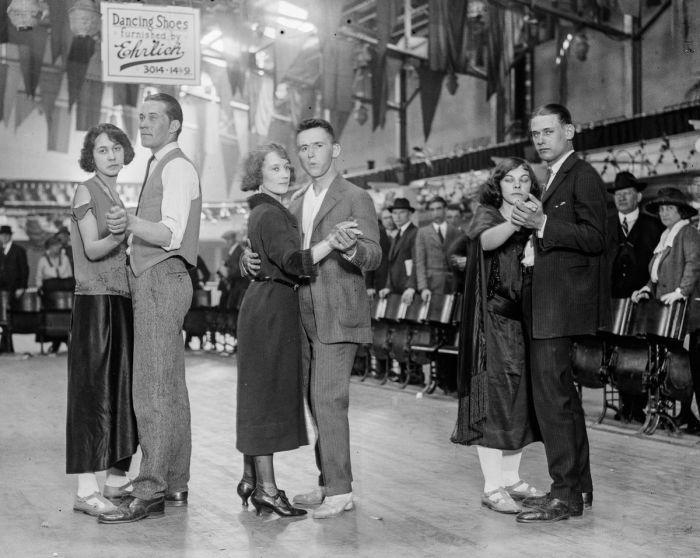 Во времена Великой депрессии танцевальные марафоны были возможностью для бедных заработать деньги. | Фото: mashable.com.