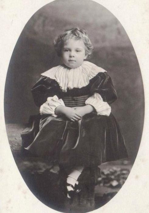Португальский монарх Мануэл II. | Фото: oddities123.com.