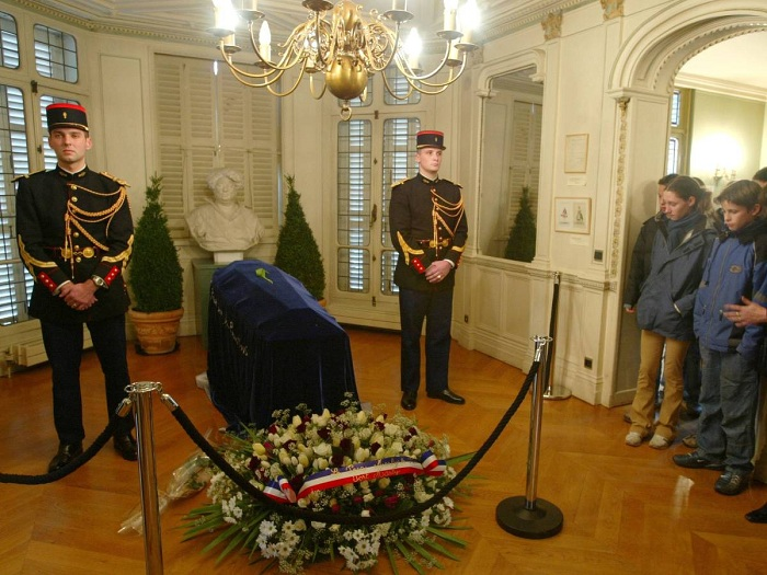 Прах А. Дюма в парижском Пантеоне. | Фото: allday.com.
