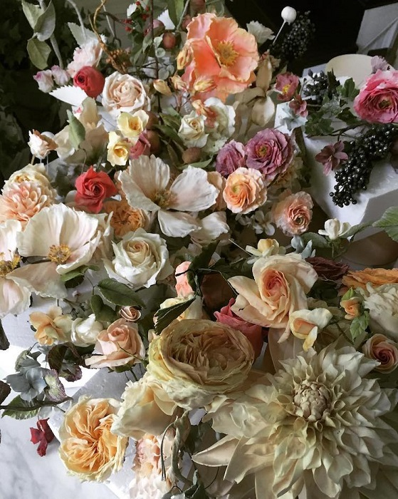 Букет цветов из теста, вафель и сахара. | Фото: mymodernmet.com.