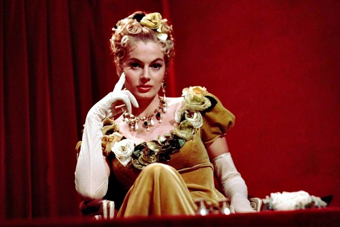 Анита Экберг в роли Элен Курагиной (Безуховой) из к/ф «Война и мир» (1956). | Фото: cs319725.userapi.com.