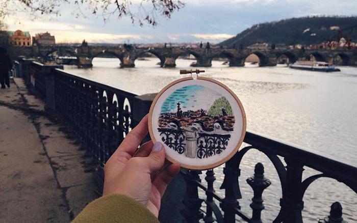 Вышитый мост в Праге.