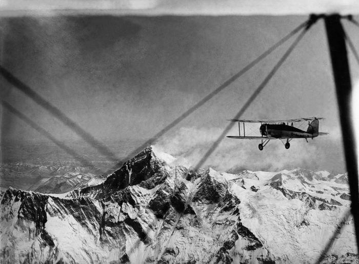 Полет над Эверестом в 1933 году.