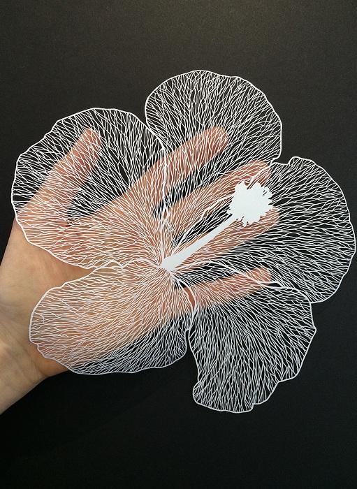 Прекрасная композиция из бумаги.