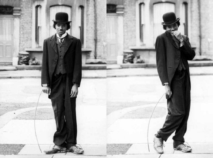 Певец «примеряет» на себя образ легендарного комика.