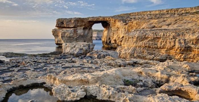 Известняк «Лазурное окно» - удивительный природный памятник. | Фото: akoola.org.