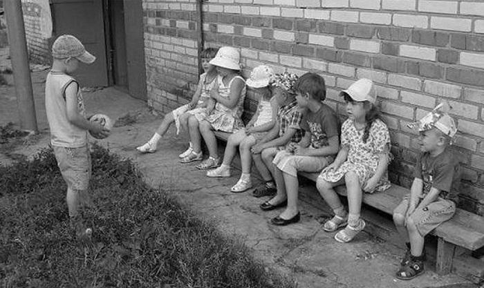«Съедобное-несъедобное» - игра с мячом. | Фото: webcity.su.