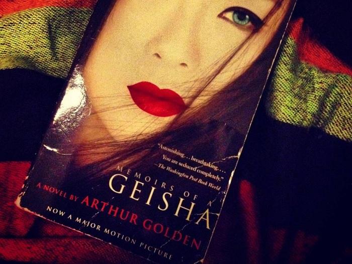 Обложка книги Артура Голдена «Мемуары гейши». | Фото: allday.com.
