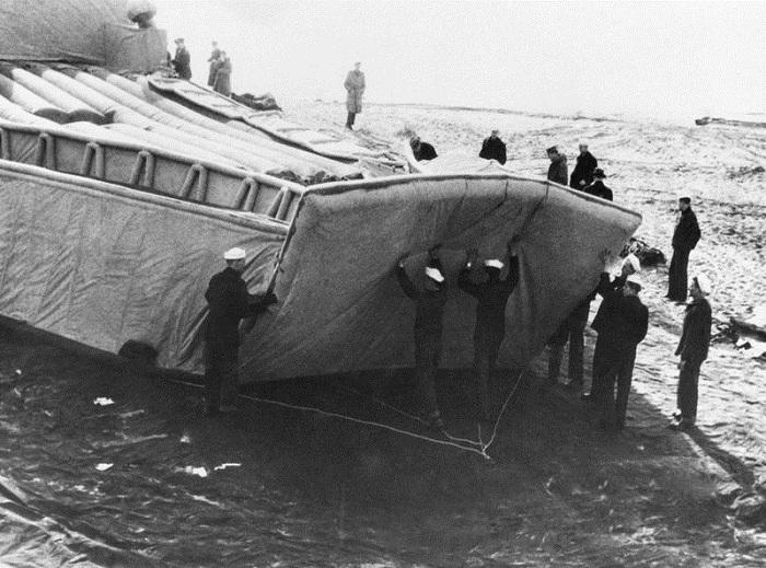 Бутафорский корабль, созданный для дезориентации противника.