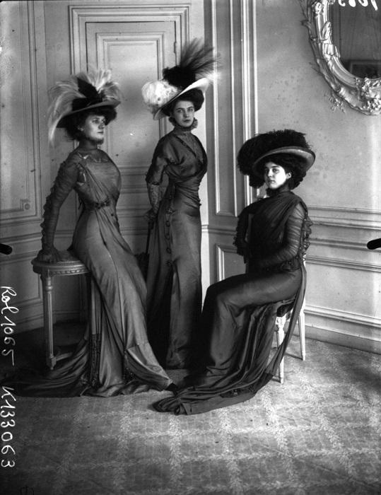 В конце XIX-начале ХХ вв. женщины старались соответствовать идеальному образу «девушки Гибсона». | Фото: messynessychic.com.