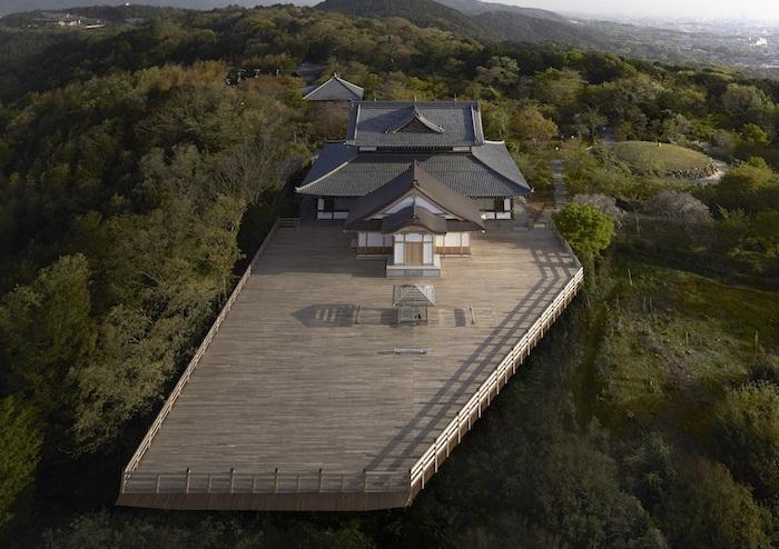 Инсталляция, расположенная на высоте 22о метров.