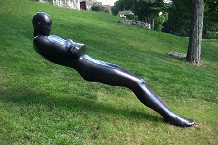 Удивительная скульптура, выполненная Emil Alzamora.