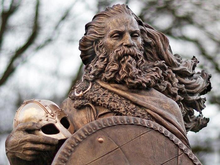 Статуя Харальда Прекрасноволосого. | Фото: cs8.pikabu.ru.