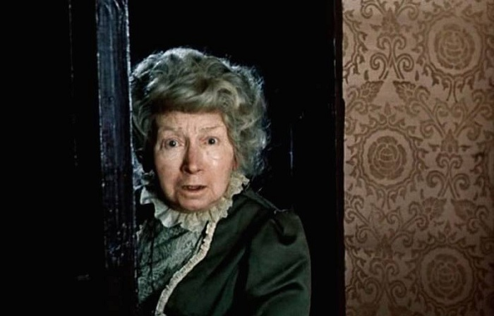 Рина Зеленая в образе Миссис Хадсон («Приключения Шерлока Холмса и доктора Ватсона».)| Фото: vkino24.ru.