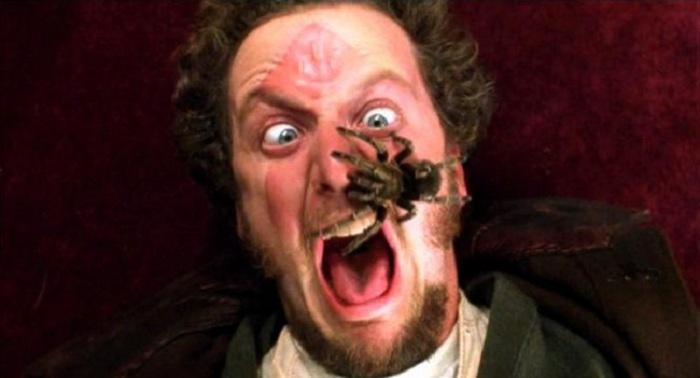 На самом деле актер изображал ужас беззвучно. | Фото: mix.tn.kz.