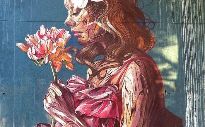 Работа уличного художника  «Un souffle venu de l'est»(«Взрыв с востока»).