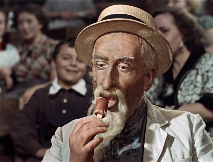 Николай Волков (Хоттабыч) съел столько глазированных сырков, что потом ненавидел их до конца жизни. | Фото: wildkids.biz.