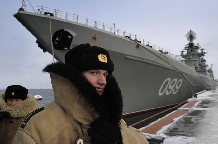 Шапка-ушанка - неотъемлемая часть обмундирования российского военно-морского флота.