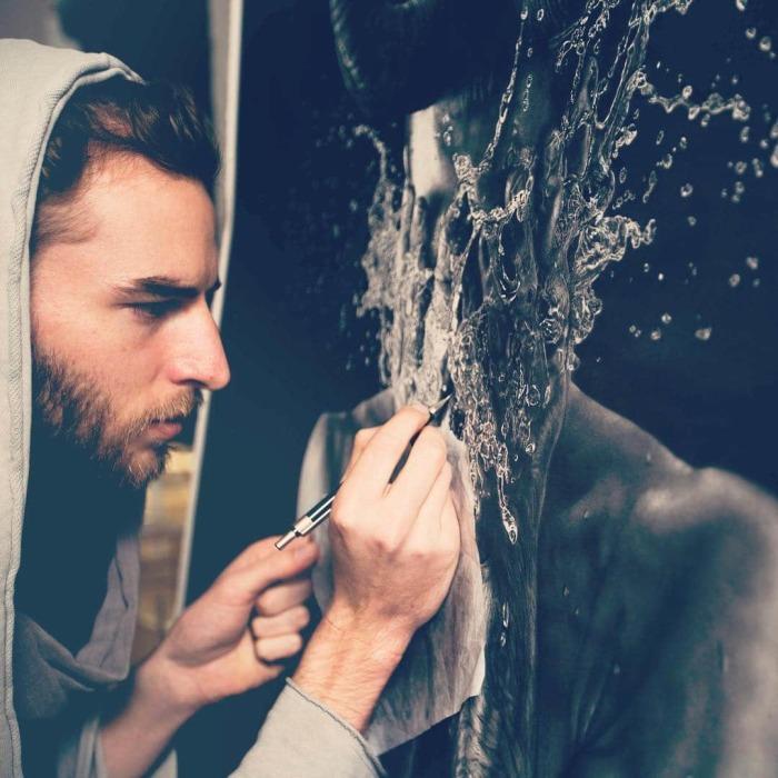 Jono Dry рисует гиперреалистичные картины карандашом.   Фото: mymodernmet.com.