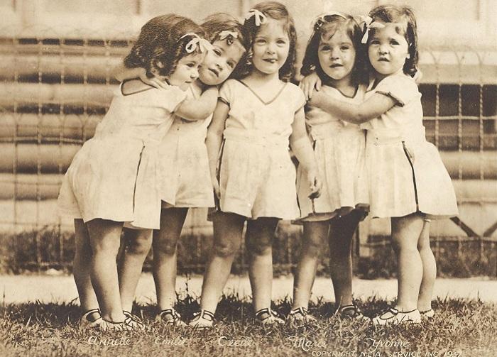 Dionne quintuplets - самые знаменитые девочки-пятерняшки.