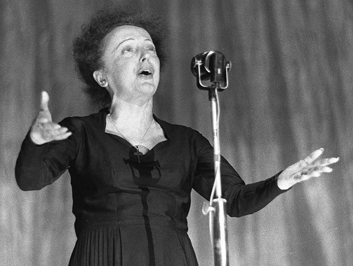 Эдит Пиаф скончалась в возрасте 47 лет.