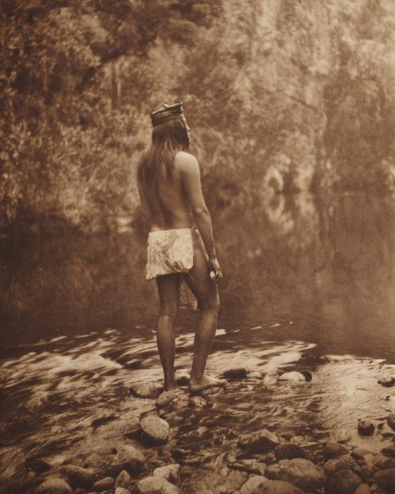 Снимок индейца, выполненный Эдвардом Кертисом в начале 20 века.