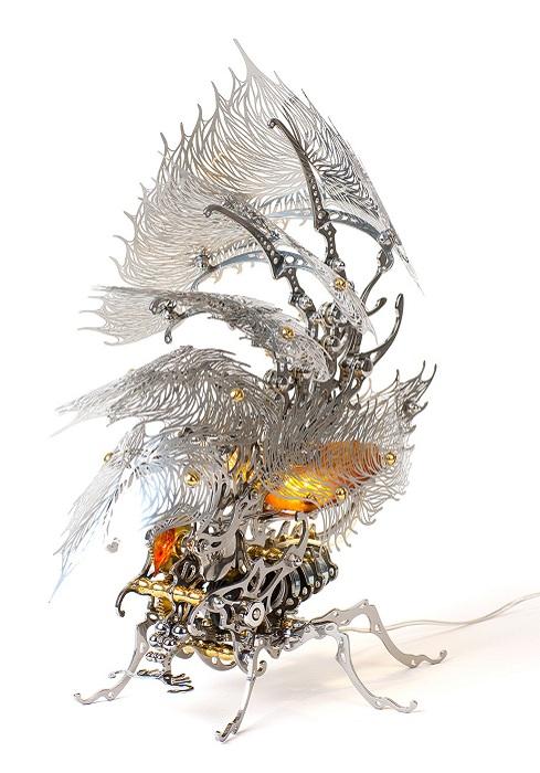 Скульптура-лампочка Silver Insecta Lamp от корейского художника U-Ram Choe.