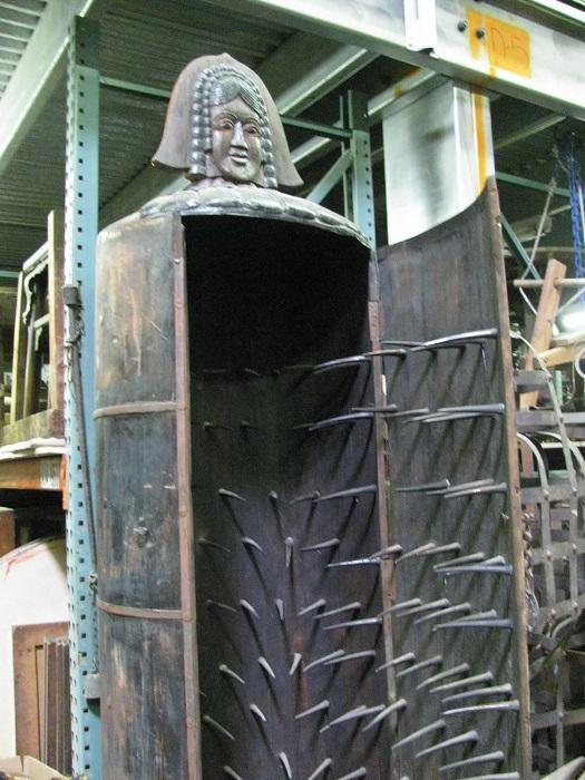 Железная дева - орудие пыток. | Фото: 4.bp.blogspot.com.