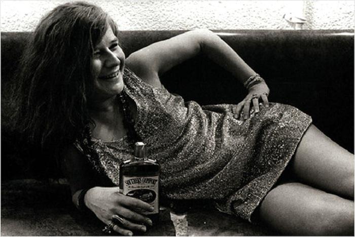 Дженис Джоплин - типичная представительница неформальной молодежи 1960-х годов. | Фото: s017.radikal.ru.