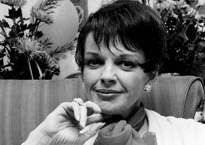 Джуди Гарленд скончалась от передозировки таблеток в 47 лет.   Фото: classicmoviechat.com.