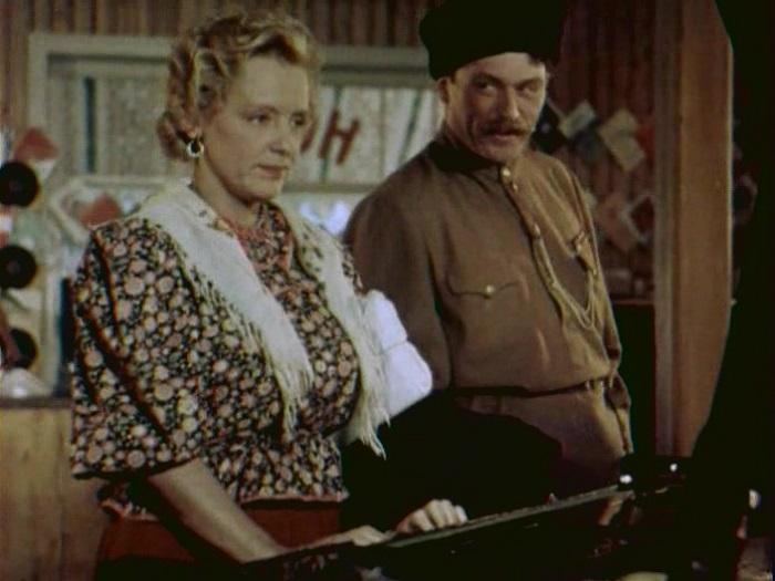 Кадр из к/ф «Кубанские казаки» (1949). | Фото: ic.pics.livejournal.com.