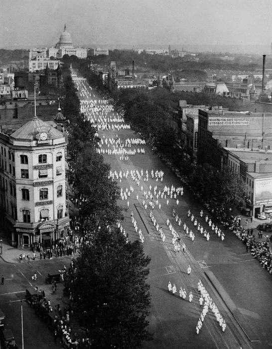 Парад ККК в Вашингтоне. 1926 год.