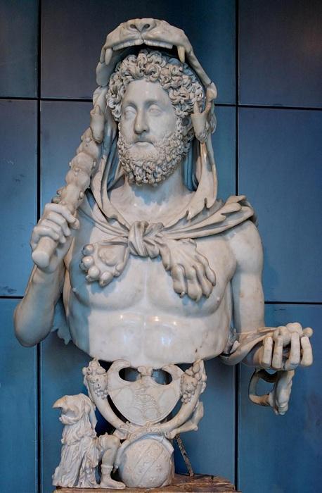 Бюст 18-ого римского императора Луция Элия Аврелия Коммода. | Фото: unnatural.ru.