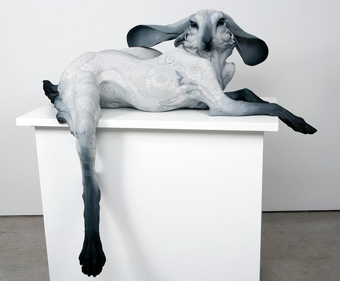 Антропоморфный зайчик. Скульптура из глины.