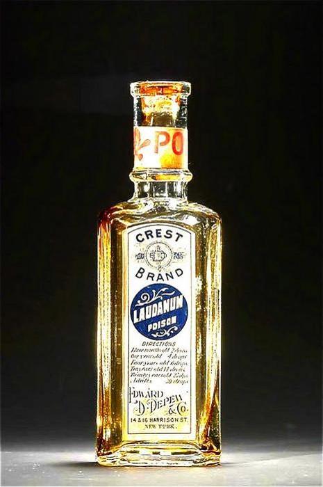 Лауданум - алкогольная настойка с опиумом.   Фото: cassandra-89.livejournal.com.