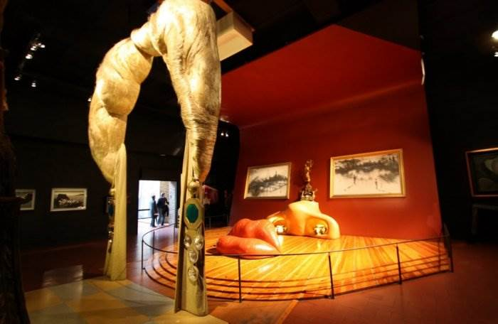 Комната-иллюзия в театре-музее Дали в Фигерасе. | Фото: art-assorty.ru.