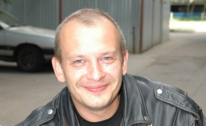 Харизматичный актер Дмитрий Марьянов. | Фото: img.profi-news.ru.