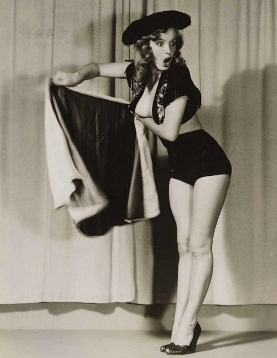 Мэрилин Монро была моделью для pin-up-плакатов в 1946-1950 гг. | Фото: messynessychic.com.