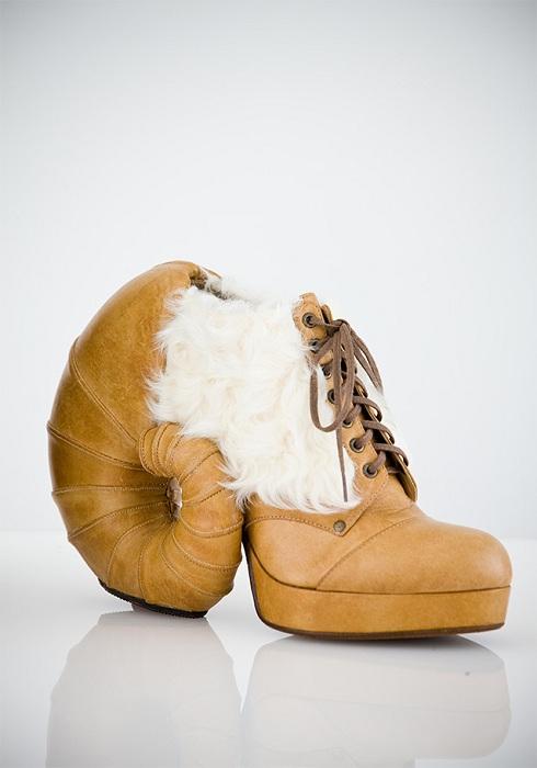 Оригинальная обувь от японского дизайнера.