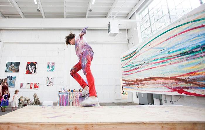 Инсталляция молодого американского художника.