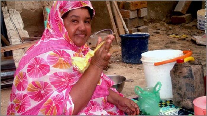 В некоторых африканских странах признаком женской красоты считается чрезмерная полнота. | Фото: uainfo.org.