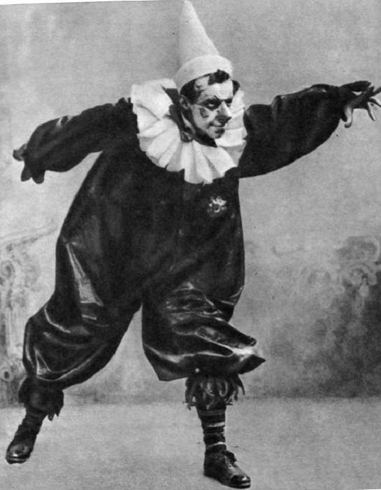 В. Мейерхольд в роли клоуна Ландовского в пьесе «Акробаты». | Фото: gua.convdocs.org.
