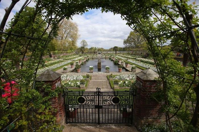 White Garden - мемориальный сад принцессы Дианы. | Фото: housebeautiful.com.